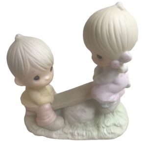 Precious Moments Love Lifted Me Retired 1993 Box